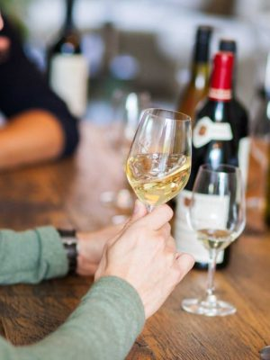 pluswine-wine-wijn-tasting-flessen-rood-wit-winetasting-home-featured-1024x683