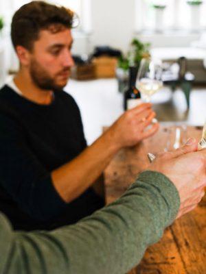 pluswine-wine-wijn-tasting-flessen-rood-wit-winetasting-home-featured2-1024x683